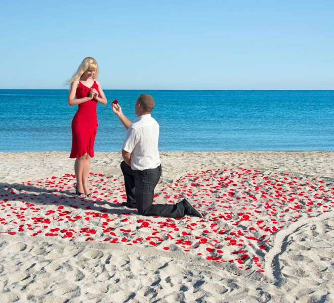 man making proposal to his woman in the heart of roses petals on  Fotogalerie Marriage proposal 1 thegem gallery justified